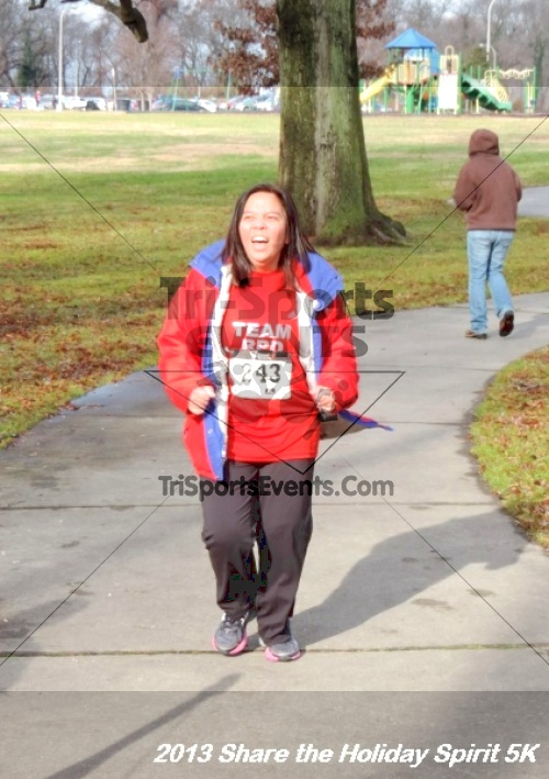 Share the Holiday Spirit 5K<br><br><br><br><a href='https://www.trisportsevents.com/pics/150.JPG' download='150.JPG'>Click here to download.</a><Br><a href='http://www.facebook.com/sharer.php?u=http:%2F%2Fwww.trisportsevents.com%2Fpics%2F150.JPG&t=Share the Holiday Spirit 5K' target='_blank'><img src='images/fb_share.png' width='100'></a>