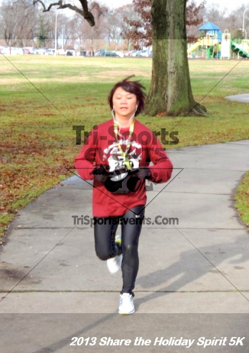 Share the Holiday Spirit 5K<br><br><br><br><a href='https://www.trisportsevents.com/pics/154.JPG' download='154.JPG'>Click here to download.</a><Br><a href='http://www.facebook.com/sharer.php?u=http:%2F%2Fwww.trisportsevents.com%2Fpics%2F154.JPG&t=Share the Holiday Spirit 5K' target='_blank'><img src='images/fb_share.png' width='100'></a>