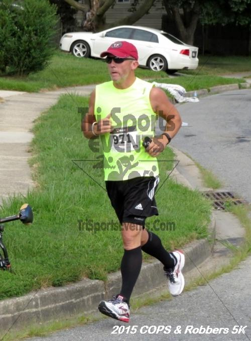 COPS & Robbers 5K Run/Walk<br><br><br><br><a href='http://www.trisportsevents.com/pics/15_COPS_&_Robbers_5K_075.JPG' download='15_COPS_&_Robbers_5K_075.JPG'>Click here to download.</a><Br><a href='http://www.facebook.com/sharer.php?u=http:%2F%2Fwww.trisportsevents.com%2Fpics%2F15_COPS_&_Robbers_5K_075.JPG&t=COPS & Robbers 5K Run/Walk' target='_blank'><img src='images/fb_share.png' width='100'></a>