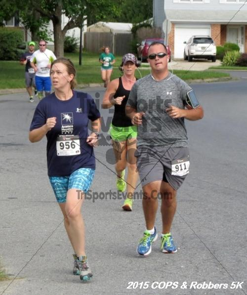 COPS & Robbers 5K Run/Walk<br><br><br><br><a href='http://www.trisportsevents.com/pics/15_COPS_&_Robbers_5K_076.JPG' download='15_COPS_&_Robbers_5K_076.JPG'>Click here to download.</a><Br><a href='http://www.facebook.com/sharer.php?u=http:%2F%2Fwww.trisportsevents.com%2Fpics%2F15_COPS_&_Robbers_5K_076.JPG&t=COPS & Robbers 5K Run/Walk' target='_blank'><img src='images/fb_share.png' width='100'></a>