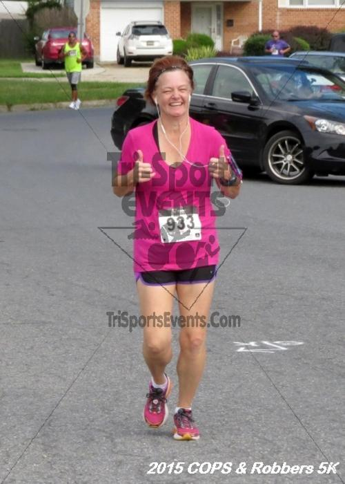 COPS & Robbers 5K Run/Walk<br><br><br><br><a href='http://www.trisportsevents.com/pics/15_COPS_&_Robbers_5K_084.JPG' download='15_COPS_&_Robbers_5K_084.JPG'>Click here to download.</a><Br><a href='http://www.facebook.com/sharer.php?u=http:%2F%2Fwww.trisportsevents.com%2Fpics%2F15_COPS_&_Robbers_5K_084.JPG&t=COPS & Robbers 5K Run/Walk' target='_blank'><img src='images/fb_share.png' width='100'></a>