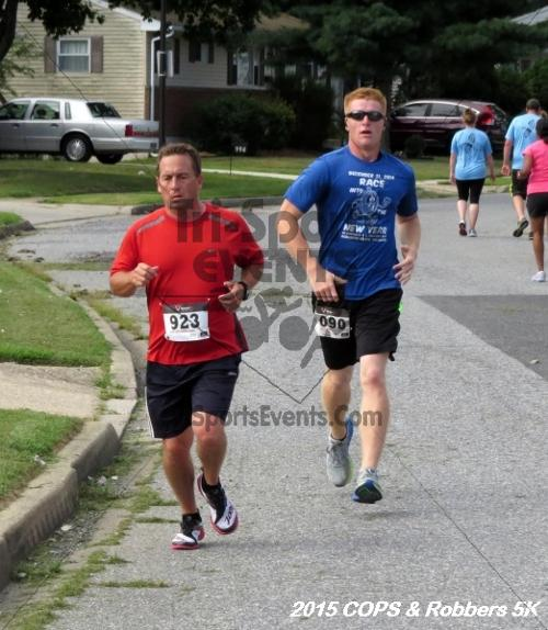 COPS & Robbers 5K Run/Walk<br><br><br><br><a href='http://www.trisportsevents.com/pics/15_COPS_&_Robbers_5K_114.JPG' download='15_COPS_&_Robbers_5K_114.JPG'>Click here to download.</a><Br><a href='http://www.facebook.com/sharer.php?u=http:%2F%2Fwww.trisportsevents.com%2Fpics%2F15_COPS_&_Robbers_5K_114.JPG&t=COPS & Robbers 5K Run/Walk' target='_blank'><img src='images/fb_share.png' width='100'></a>