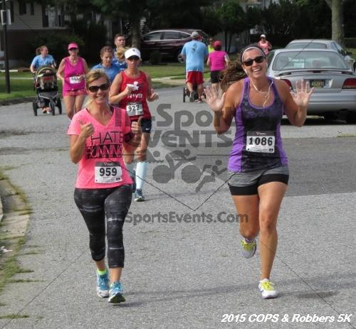 COPS & Robbers 5K Run/Walk<br><br><br><br><a href='http://www.trisportsevents.com/pics/15_COPS_&_Robbers_5K_147.JPG' download='15_COPS_&_Robbers_5K_147.JPG'>Click here to download.</a><Br><a href='http://www.facebook.com/sharer.php?u=http:%2F%2Fwww.trisportsevents.com%2Fpics%2F15_COPS_&_Robbers_5K_147.JPG&t=COPS & Robbers 5K Run/Walk' target='_blank'><img src='images/fb_share.png' width='100'></a>