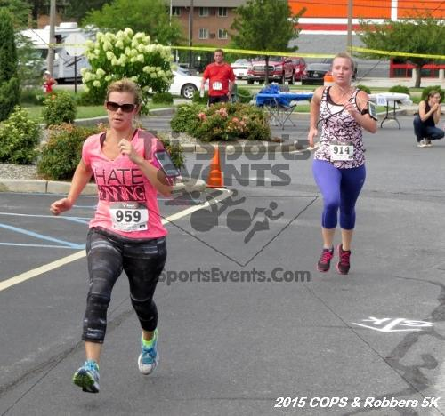 COPS & Robbers 5K Run/Walk<br><br><br><br><a href='http://www.trisportsevents.com/pics/15_COPS_&_Robbers_5K_189.JPG' download='15_COPS_&_Robbers_5K_189.JPG'>Click here to download.</a><Br><a href='http://www.facebook.com/sharer.php?u=http:%2F%2Fwww.trisportsevents.com%2Fpics%2F15_COPS_&_Robbers_5K_189.JPG&t=COPS & Robbers 5K Run/Walk' target='_blank'><img src='images/fb_share.png' width='100'></a>