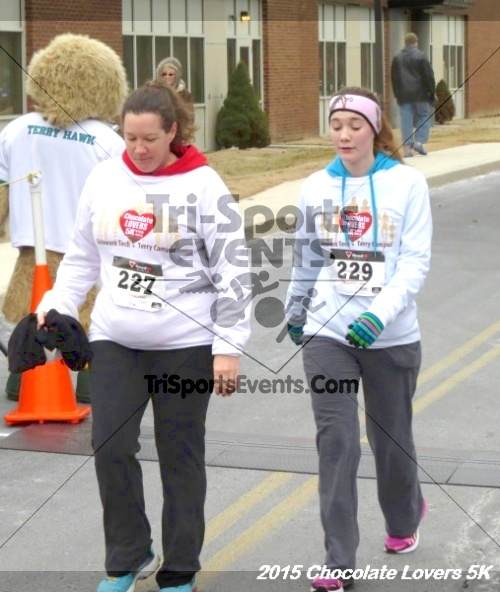 Chocolate Lovers 5k Run/Walk<br><br><br><br><a href='http://www.trisportsevents.com/pics/15_Chocolate_Lovers_5K_329.JPG' download='15_Chocolate_Lovers_5K_329.JPG'>Click here to download.</a><Br><a href='http://www.facebook.com/sharer.php?u=http:%2F%2Fwww.trisportsevents.com%2Fpics%2F15_Chocolate_Lovers_5K_329.JPG&t=Chocolate Lovers 5k Run/Walk' target='_blank'><img src='images/fb_share.png' width='100'></a>