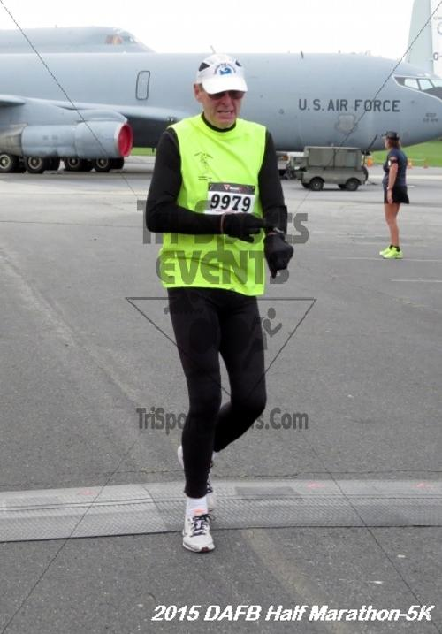 Dover Air Force Base Heritage Half Marathon & 5K<br><br><br><br><a href='http://www.trisportsevents.com/pics/15_DAFB_Half-5K_046.JPG' download='15_DAFB_Half-5K_046.JPG'>Click here to download.</a><Br><a href='http://www.facebook.com/sharer.php?u=http:%2F%2Fwww.trisportsevents.com%2Fpics%2F15_DAFB_Half-5K_046.JPG&t=Dover Air Force Base Heritage Half Marathon & 5K' target='_blank'><img src='images/fb_share.png' width='100'></a>
