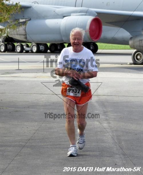 Dover Air Force Base Heritage Half Marathon & 5K<br><br><br><br><a href='http://www.trisportsevents.com/pics/15_DAFB_Half-5K_076.JPG' download='15_DAFB_Half-5K_076.JPG'>Click here to download.</a><Br><a href='http://www.facebook.com/sharer.php?u=http:%2F%2Fwww.trisportsevents.com%2Fpics%2F15_DAFB_Half-5K_076.JPG&t=Dover Air Force Base Heritage Half Marathon & 5K' target='_blank'><img src='images/fb_share.png' width='100'></a>
