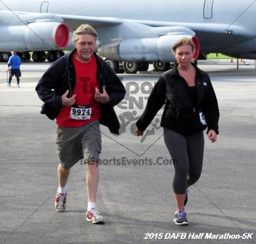 Dover Air Force Base Heritage Half Marathon & 5K<br><br><br><br><a href='http://www.trisportsevents.com/pics/15_DAFB_Half-5K_081.JPG' download='15_DAFB_Half-5K_081.JPG'>Click here to download.</a><Br><a href='http://www.facebook.com/sharer.php?u=http:%2F%2Fwww.trisportsevents.com%2Fpics%2F15_DAFB_Half-5K_081.JPG&t=Dover Air Force Base Heritage Half Marathon & 5K' target='_blank'><img src='images/fb_share.png' width='100'></a>