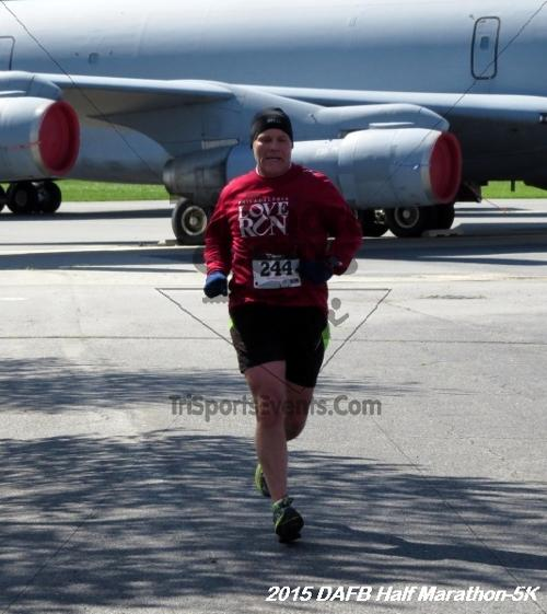 Dover Air Force Base Heritage Half Marathon & 5K<br><br><br><br><a href='http://www.trisportsevents.com/pics/15_DAFB_Half-5K_107.JPG' download='15_DAFB_Half-5K_107.JPG'>Click here to download.</a><Br><a href='http://www.facebook.com/sharer.php?u=http:%2F%2Fwww.trisportsevents.com%2Fpics%2F15_DAFB_Half-5K_107.JPG&t=Dover Air Force Base Heritage Half Marathon & 5K' target='_blank'><img src='images/fb_share.png' width='100'></a>