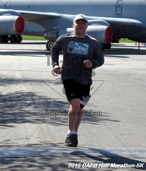 Dover Air Force Base Heritage Half Marathon & 5K<br><br><br><br><a href='http://www.trisportsevents.com/pics/15_DAFB_Half-5K_165.JPG' download='15_DAFB_Half-5K_165.JPG'>Click here to download.</a><Br><a href='http://www.facebook.com/sharer.php?u=http:%2F%2Fwww.trisportsevents.com%2Fpics%2F15_DAFB_Half-5K_165.JPG&t=Dover Air Force Base Heritage Half Marathon & 5K' target='_blank'><img src='images/fb_share.png' width='100'></a>