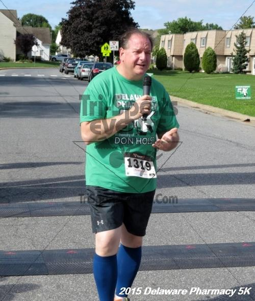 Delaware Pharmacy 5K - In Memory of Don Holst<br><br><br><br><a href='https://www.trisportsevents.com/pics/15_Delaware_Pharmacy_5K_008.JPG' download='15_Delaware_Pharmacy_5K_008.JPG'>Click here to download.</a><Br><a href='http://www.facebook.com/sharer.php?u=http:%2F%2Fwww.trisportsevents.com%2Fpics%2F15_Delaware_Pharmacy_5K_008.JPG&t=Delaware Pharmacy 5K - In Memory of Don Holst' target='_blank'><img src='images/fb_share.png' width='100'></a>