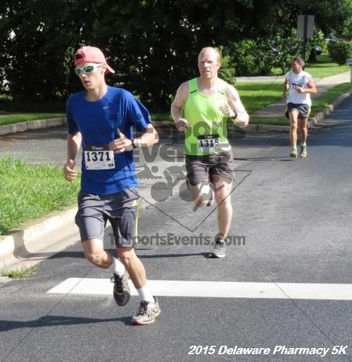 Delaware Pharmacy 5K - In Memory of Don Holst<br><br><br><br><a href='https://www.trisportsevents.com/pics/15_Delaware_Pharmacy_5K_014.JPG' download='15_Delaware_Pharmacy_5K_014.JPG'>Click here to download.</a><Br><a href='http://www.facebook.com/sharer.php?u=http:%2F%2Fwww.trisportsevents.com%2Fpics%2F15_Delaware_Pharmacy_5K_014.JPG&t=Delaware Pharmacy 5K - In Memory of Don Holst' target='_blank'><img src='images/fb_share.png' width='100'></a>