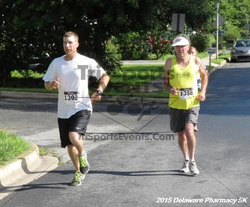 Delaware Pharmacy 5K - In Memory of Don Holst<br><br><br><br><a href='https://www.trisportsevents.com/pics/15_Delaware_Pharmacy_5K_017.JPG' download='15_Delaware_Pharmacy_5K_017.JPG'>Click here to download.</a><Br><a href='http://www.facebook.com/sharer.php?u=http:%2F%2Fwww.trisportsevents.com%2Fpics%2F15_Delaware_Pharmacy_5K_017.JPG&t=Delaware Pharmacy 5K - In Memory of Don Holst' target='_blank'><img src='images/fb_share.png' width='100'></a>