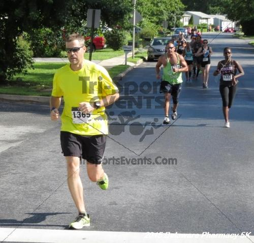 Delaware Pharmacy 5K - In Memory of Don Holst<br><br><br><br><a href='https://www.trisportsevents.com/pics/15_Delaware_Pharmacy_5K_021.JPG' download='15_Delaware_Pharmacy_5K_021.JPG'>Click here to download.</a><Br><a href='http://www.facebook.com/sharer.php?u=http:%2F%2Fwww.trisportsevents.com%2Fpics%2F15_Delaware_Pharmacy_5K_021.JPG&t=Delaware Pharmacy 5K - In Memory of Don Holst' target='_blank'><img src='images/fb_share.png' width='100'></a>