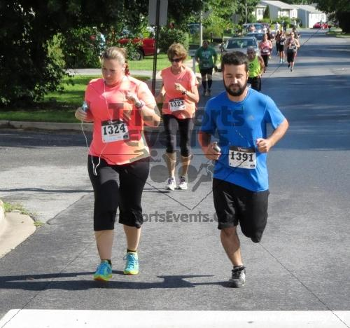 Delaware Pharmacy 5K - In Memory of Don Holst<br><br><br><br><a href='https://www.trisportsevents.com/pics/15_Delaware_Pharmacy_5K_037.JPG' download='15_Delaware_Pharmacy_5K_037.JPG'>Click here to download.</a><Br><a href='http://www.facebook.com/sharer.php?u=http:%2F%2Fwww.trisportsevents.com%2Fpics%2F15_Delaware_Pharmacy_5K_037.JPG&t=Delaware Pharmacy 5K - In Memory of Don Holst' target='_blank'><img src='images/fb_share.png' width='100'></a>