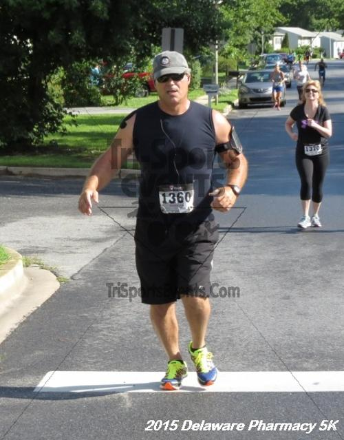 Delaware Pharmacy 5K - In Memory of Don Holst<br><br><br><br><a href='https://www.trisportsevents.com/pics/15_Delaware_Pharmacy_5K_043.JPG' download='15_Delaware_Pharmacy_5K_043.JPG'>Click here to download.</a><Br><a href='http://www.facebook.com/sharer.php?u=http:%2F%2Fwww.trisportsevents.com%2Fpics%2F15_Delaware_Pharmacy_5K_043.JPG&t=Delaware Pharmacy 5K - In Memory of Don Holst' target='_blank'><img src='images/fb_share.png' width='100'></a>