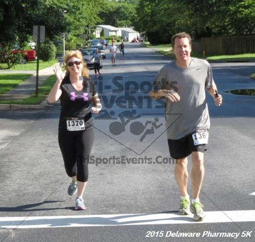 Delaware Pharmacy 5K - In Memory of Don Holst<br><br><br><br><a href='https://www.trisportsevents.com/pics/15_Delaware_Pharmacy_5K_044.JPG' download='15_Delaware_Pharmacy_5K_044.JPG'>Click here to download.</a><Br><a href='http://www.facebook.com/sharer.php?u=http:%2F%2Fwww.trisportsevents.com%2Fpics%2F15_Delaware_Pharmacy_5K_044.JPG&t=Delaware Pharmacy 5K - In Memory of Don Holst' target='_blank'><img src='images/fb_share.png' width='100'></a>