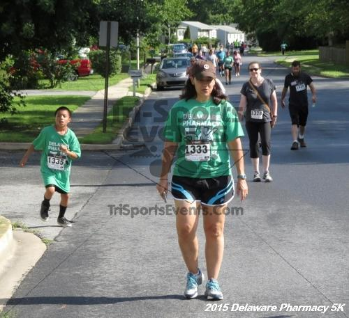 Delaware Pharmacy 5K - In Memory of Don Holst<br><br><br><br><a href='https://www.trisportsevents.com/pics/15_Delaware_Pharmacy_5K_052.JPG' download='15_Delaware_Pharmacy_5K_052.JPG'>Click here to download.</a><Br><a href='http://www.facebook.com/sharer.php?u=http:%2F%2Fwww.trisportsevents.com%2Fpics%2F15_Delaware_Pharmacy_5K_052.JPG&t=Delaware Pharmacy 5K - In Memory of Don Holst' target='_blank'><img src='images/fb_share.png' width='100'></a>