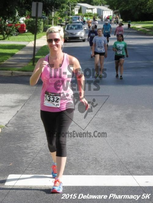 Delaware Pharmacy 5K - In Memory of Don Holst<br><br><br><br><a href='https://www.trisportsevents.com/pics/15_Delaware_Pharmacy_5K_056.JPG' download='15_Delaware_Pharmacy_5K_056.JPG'>Click here to download.</a><Br><a href='http://www.facebook.com/sharer.php?u=http:%2F%2Fwww.trisportsevents.com%2Fpics%2F15_Delaware_Pharmacy_5K_056.JPG&t=Delaware Pharmacy 5K - In Memory of Don Holst' target='_blank'><img src='images/fb_share.png' width='100'></a>