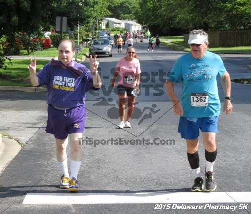Delaware Pharmacy 5K - In Memory of Don Holst<br><br><br><br><a href='https://www.trisportsevents.com/pics/15_Delaware_Pharmacy_5K_058.JPG' download='15_Delaware_Pharmacy_5K_058.JPG'>Click here to download.</a><Br><a href='http://www.facebook.com/sharer.php?u=http:%2F%2Fwww.trisportsevents.com%2Fpics%2F15_Delaware_Pharmacy_5K_058.JPG&t=Delaware Pharmacy 5K - In Memory of Don Holst' target='_blank'><img src='images/fb_share.png' width='100'></a>