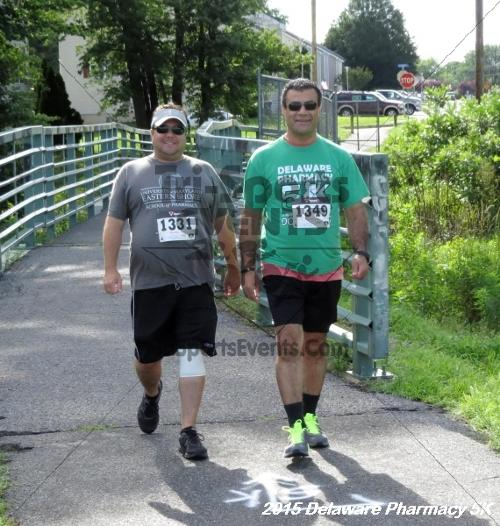 Delaware Pharmacy 5K - In Memory of Don Holst<br><br><br><br><a href='https://www.trisportsevents.com/pics/15_Delaware_Pharmacy_5K_071.JPG' download='15_Delaware_Pharmacy_5K_071.JPG'>Click here to download.</a><Br><a href='http://www.facebook.com/sharer.php?u=http:%2F%2Fwww.trisportsevents.com%2Fpics%2F15_Delaware_Pharmacy_5K_071.JPG&t=Delaware Pharmacy 5K - In Memory of Don Holst' target='_blank'><img src='images/fb_share.png' width='100'></a>