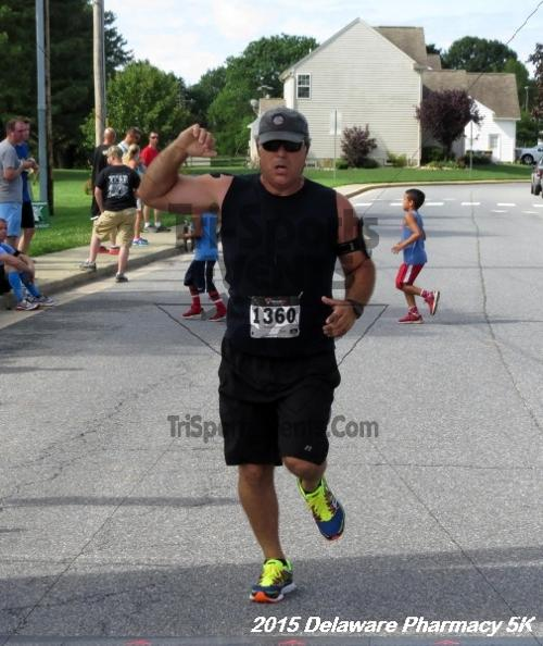 Delaware Pharmacy 5K - In Memory of Don Holst<br><br><br><br><a href='https://www.trisportsevents.com/pics/15_Delaware_Pharmacy_5K_113.JPG' download='15_Delaware_Pharmacy_5K_113.JPG'>Click here to download.</a><Br><a href='http://www.facebook.com/sharer.php?u=http:%2F%2Fwww.trisportsevents.com%2Fpics%2F15_Delaware_Pharmacy_5K_113.JPG&t=Delaware Pharmacy 5K - In Memory of Don Holst' target='_blank'><img src='images/fb_share.png' width='100'></a>