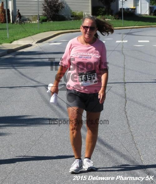 Delaware Pharmacy 5K - In Memory of Don Holst<br><br><br><br><a href='https://www.trisportsevents.com/pics/15_Delaware_Pharmacy_5K_143.JPG' download='15_Delaware_Pharmacy_5K_143.JPG'>Click here to download.</a><Br><a href='http://www.facebook.com/sharer.php?u=http:%2F%2Fwww.trisportsevents.com%2Fpics%2F15_Delaware_Pharmacy_5K_143.JPG&t=Delaware Pharmacy 5K - In Memory of Don Holst' target='_blank'><img src='images/fb_share.png' width='100'></a>