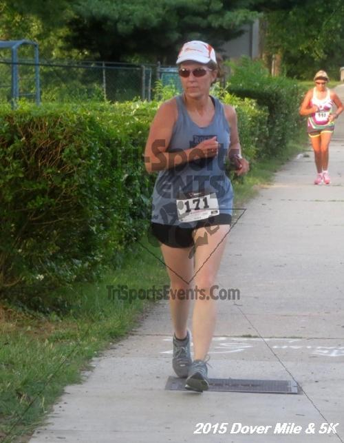 Dover Running Festival Mile and 5K Run/Walk<br><br><br><br><a href='https://www.trisportsevents.com/pics/15_Dover_Mile-5K_116.JPG' download='15_Dover_Mile-5K_116.JPG'>Click here to download.</a><Br><a href='http://www.facebook.com/sharer.php?u=http:%2F%2Fwww.trisportsevents.com%2Fpics%2F15_Dover_Mile-5K_116.JPG&t=Dover Running Festival Mile and 5K Run/Walk' target='_blank'><img src='images/fb_share.png' width='100'></a>
