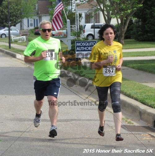 Honor Their Sacrifice 5K<br><br><br><br><a href='https://www.trisportsevents.com/pics/15_Elks_5K_013.JPG' download='15_Elks_5K_013.JPG'>Click here to download.</a><Br><a href='http://www.facebook.com/sharer.php?u=http:%2F%2Fwww.trisportsevents.com%2Fpics%2F15_Elks_5K_013.JPG&t=Honor Their Sacrifice 5K' target='_blank'><img src='images/fb_share.png' width='100'></a>