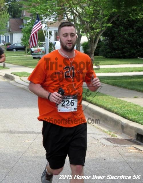 Honor Their Sacrifice 5K<br><br><br><br><a href='http://www.trisportsevents.com/pics/15_Elks_5K_015.JPG' download='15_Elks_5K_015.JPG'>Click here to download.</a><Br><a href='http://www.facebook.com/sharer.php?u=http:%2F%2Fwww.trisportsevents.com%2Fpics%2F15_Elks_5K_015.JPG&t=Honor Their Sacrifice 5K' target='_blank'><img src='images/fb_share.png' width='100'></a>