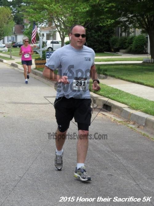Honor Their Sacrifice 5K<br><br><br><br><a href='http://www.trisportsevents.com/pics/15_Elks_5K_017.JPG' download='15_Elks_5K_017.JPG'>Click here to download.</a><Br><a href='http://www.facebook.com/sharer.php?u=http:%2F%2Fwww.trisportsevents.com%2Fpics%2F15_Elks_5K_017.JPG&t=Honor Their Sacrifice 5K' target='_blank'><img src='images/fb_share.png' width='100'></a>