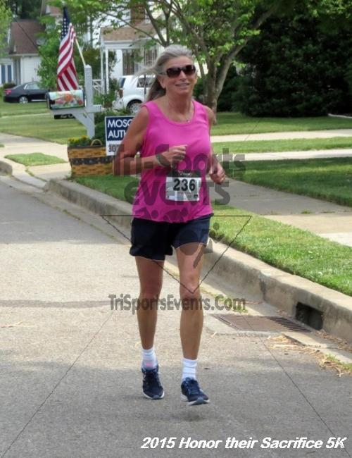 Honor Their Sacrifice 5K<br><br><br><br><a href='http://www.trisportsevents.com/pics/15_Elks_5K_018.JPG' download='15_Elks_5K_018.JPG'>Click here to download.</a><Br><a href='http://www.facebook.com/sharer.php?u=http:%2F%2Fwww.trisportsevents.com%2Fpics%2F15_Elks_5K_018.JPG&t=Honor Their Sacrifice 5K' target='_blank'><img src='images/fb_share.png' width='100'></a>