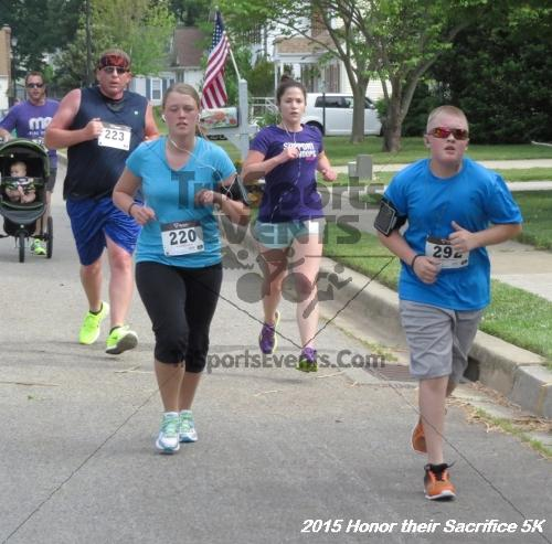 Honor Their Sacrifice 5K<br><br><br><br><a href='https://www.trisportsevents.com/pics/15_Elks_5K_025.JPG' download='15_Elks_5K_025.JPG'>Click here to download.</a><Br><a href='http://www.facebook.com/sharer.php?u=http:%2F%2Fwww.trisportsevents.com%2Fpics%2F15_Elks_5K_025.JPG&t=Honor Their Sacrifice 5K' target='_blank'><img src='images/fb_share.png' width='100'></a>