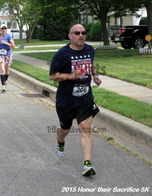 Honor Their Sacrifice 5K<br><br><br><br><a href='https://www.trisportsevents.com/pics/15_Elks_5K_034.JPG' download='15_Elks_5K_034.JPG'>Click here to download.</a><Br><a href='http://www.facebook.com/sharer.php?u=http:%2F%2Fwww.trisportsevents.com%2Fpics%2F15_Elks_5K_034.JPG&t=Honor Their Sacrifice 5K' target='_blank'><img src='images/fb_share.png' width='100'></a>