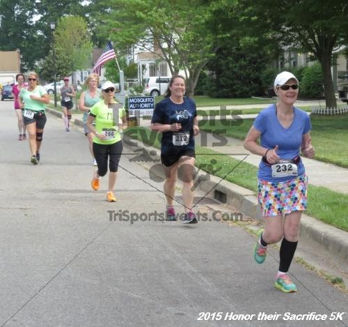 Honor Their Sacrifice 5K<br><br><br><br><a href='https://www.trisportsevents.com/pics/15_Elks_5K_035.JPG' download='15_Elks_5K_035.JPG'>Click here to download.</a><Br><a href='http://www.facebook.com/sharer.php?u=http:%2F%2Fwww.trisportsevents.com%2Fpics%2F15_Elks_5K_035.JPG&t=Honor Their Sacrifice 5K' target='_blank'><img src='images/fb_share.png' width='100'></a>