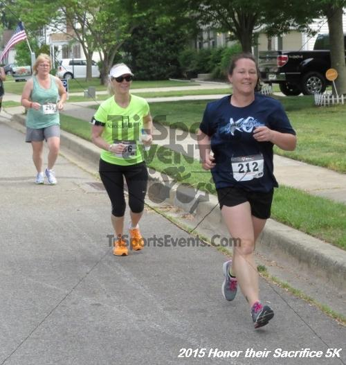 Honor Their Sacrifice 5K<br><br><br><br><a href='http://www.trisportsevents.com/pics/15_Elks_5K_036.JPG' download='15_Elks_5K_036.JPG'>Click here to download.</a><Br><a href='http://www.facebook.com/sharer.php?u=http:%2F%2Fwww.trisportsevents.com%2Fpics%2F15_Elks_5K_036.JPG&t=Honor Their Sacrifice 5K' target='_blank'><img src='images/fb_share.png' width='100'></a>