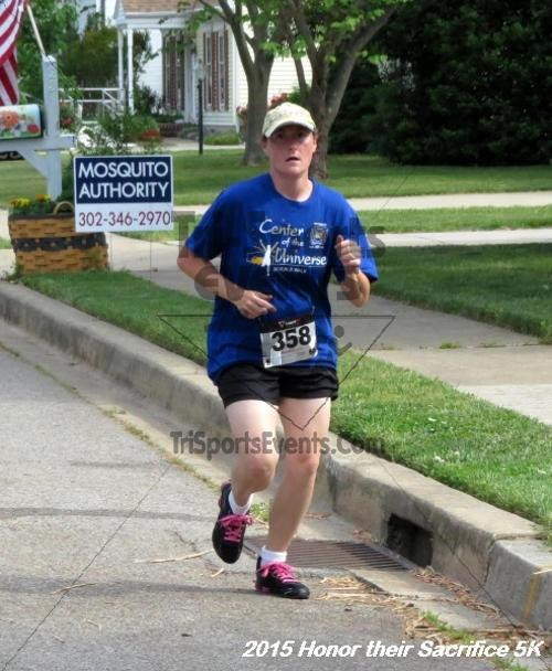 Honor Their Sacrifice 5K<br><br><br><br><a href='http://www.trisportsevents.com/pics/15_Elks_5K_042.JPG' download='15_Elks_5K_042.JPG'>Click here to download.</a><Br><a href='http://www.facebook.com/sharer.php?u=http:%2F%2Fwww.trisportsevents.com%2Fpics%2F15_Elks_5K_042.JPG&t=Honor Their Sacrifice 5K' target='_blank'><img src='images/fb_share.png' width='100'></a>