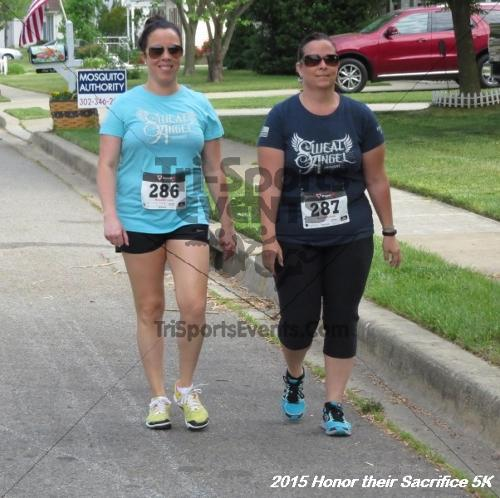 Honor Their Sacrifice 5K<br><br><br><br><a href='https://www.trisportsevents.com/pics/15_Elks_5K_071.JPG' download='15_Elks_5K_071.JPG'>Click here to download.</a><Br><a href='http://www.facebook.com/sharer.php?u=http:%2F%2Fwww.trisportsevents.com%2Fpics%2F15_Elks_5K_071.JPG&t=Honor Their Sacrifice 5K' target='_blank'><img src='images/fb_share.png' width='100'></a>