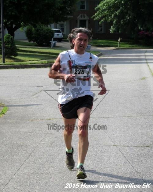 Honor Their Sacrifice 5K<br><br><br><br><a href='http://www.trisportsevents.com/pics/15_Elks_5K_075.JPG' download='15_Elks_5K_075.JPG'>Click here to download.</a><Br><a href='http://www.facebook.com/sharer.php?u=http:%2F%2Fwww.trisportsevents.com%2Fpics%2F15_Elks_5K_075.JPG&t=Honor Their Sacrifice 5K' target='_blank'><img src='images/fb_share.png' width='100'></a>