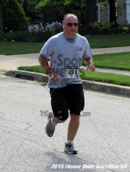 Honor Their Sacrifice 5K<br><br><br><br><a href='https://www.trisportsevents.com/pics/15_Elks_5K_089.JPG' download='15_Elks_5K_089.JPG'>Click here to download.</a><Br><a href='http://www.facebook.com/sharer.php?u=http:%2F%2Fwww.trisportsevents.com%2Fpics%2F15_Elks_5K_089.JPG&t=Honor Their Sacrifice 5K' target='_blank'><img src='images/fb_share.png' width='100'></a>