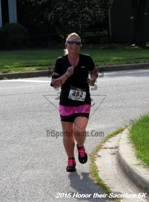 Honor Their Sacrifice 5K<br><br><br><br><a href='http://www.trisportsevents.com/pics/15_Elks_5K_093.JPG' download='15_Elks_5K_093.JPG'>Click here to download.</a><Br><a href='http://www.facebook.com/sharer.php?u=http:%2F%2Fwww.trisportsevents.com%2Fpics%2F15_Elks_5K_093.JPG&t=Honor Their Sacrifice 5K' target='_blank'><img src='images/fb_share.png' width='100'></a>