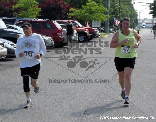 Honor Their Sacrifice 5K<br><br><br><br><a href='https://www.trisportsevents.com/pics/15_Elks_5K_111.JPG' download='15_Elks_5K_111.JPG'>Click here to download.</a><Br><a href='http://www.facebook.com/sharer.php?u=http:%2F%2Fwww.trisportsevents.com%2Fpics%2F15_Elks_5K_111.JPG&t=Honor Their Sacrifice 5K' target='_blank'><img src='images/fb_share.png' width='100'></a>
