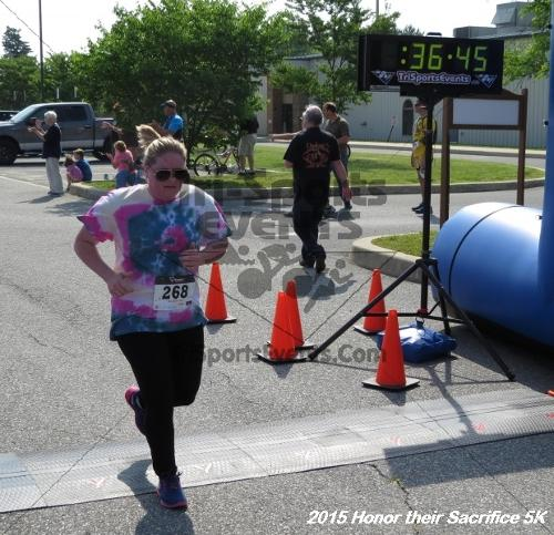 Honor Their Sacrifice 5K<br><br><br><br><a href='http://www.trisportsevents.com/pics/15_Elks_5K_122.JPG' download='15_Elks_5K_122.JPG'>Click here to download.</a><Br><a href='http://www.facebook.com/sharer.php?u=http:%2F%2Fwww.trisportsevents.com%2Fpics%2F15_Elks_5K_122.JPG&t=Honor Their Sacrifice 5K' target='_blank'><img src='images/fb_share.png' width='100'></a>