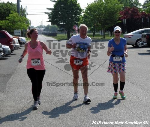 Honor Their Sacrifice 5K<br><br><br><br><a href='http://www.trisportsevents.com/pics/15_Elks_5K_134.JPG' download='15_Elks_5K_134.JPG'>Click here to download.</a><Br><a href='http://www.facebook.com/sharer.php?u=http:%2F%2Fwww.trisportsevents.com%2Fpics%2F15_Elks_5K_134.JPG&t=Honor Their Sacrifice 5K' target='_blank'><img src='images/fb_share.png' width='100'></a>