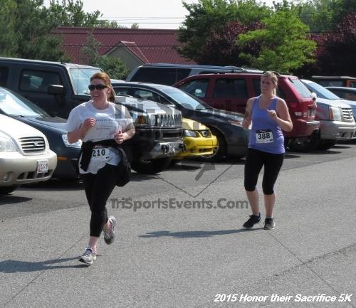 Honor Their Sacrifice 5K<br><br><br><br><a href='http://www.trisportsevents.com/pics/15_Elks_5K_135.JPG' download='15_Elks_5K_135.JPG'>Click here to download.</a><Br><a href='http://www.facebook.com/sharer.php?u=http:%2F%2Fwww.trisportsevents.com%2Fpics%2F15_Elks_5K_135.JPG&t=Honor Their Sacrifice 5K' target='_blank'><img src='images/fb_share.png' width='100'></a>