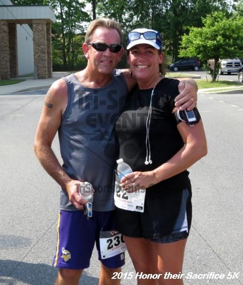 Honor Their Sacrifice 5K<br><br><br><br><a href='http://www.trisportsevents.com/pics/15_Elks_5K_143.JPG' download='15_Elks_5K_143.JPG'>Click here to download.</a><Br><a href='http://www.facebook.com/sharer.php?u=http:%2F%2Fwww.trisportsevents.com%2Fpics%2F15_Elks_5K_143.JPG&t=Honor Their Sacrifice 5K' target='_blank'><img src='images/fb_share.png' width='100'></a>