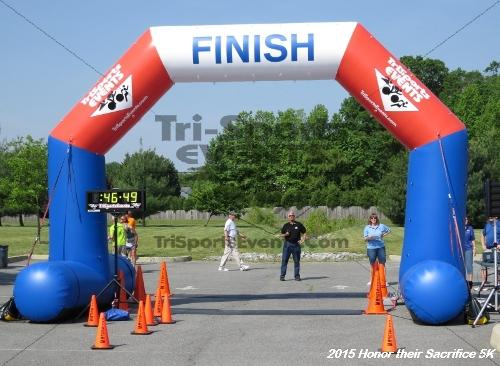 Honor Their Sacrifice 5K<br><br><br><br><a href='http://www.trisportsevents.com/pics/15_Elks_5K_146.JPG' download='15_Elks_5K_146.JPG'>Click here to download.</a><Br><a href='http://www.facebook.com/sharer.php?u=http:%2F%2Fwww.trisportsevents.com%2Fpics%2F15_Elks_5K_146.JPG&t=Honor Their Sacrifice 5K' target='_blank'><img src='images/fb_share.png' width='100'></a>