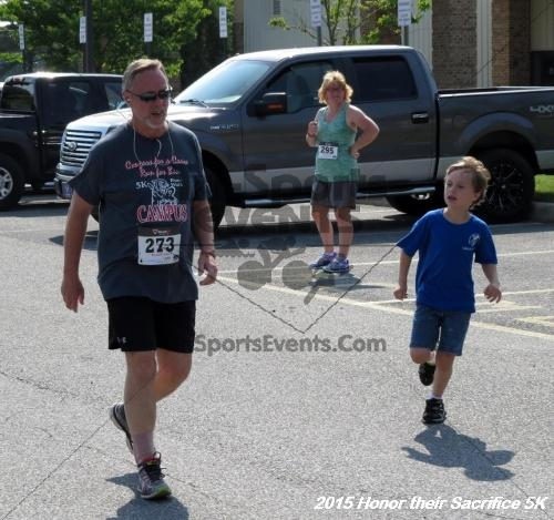 Honor Their Sacrifice 5K<br><br><br><br><a href='http://www.trisportsevents.com/pics/15_Elks_5K_148.JPG' download='15_Elks_5K_148.JPG'>Click here to download.</a><Br><a href='http://www.facebook.com/sharer.php?u=http:%2F%2Fwww.trisportsevents.com%2Fpics%2F15_Elks_5K_148.JPG&t=Honor Their Sacrifice 5K' target='_blank'><img src='images/fb_share.png' width='100'></a>