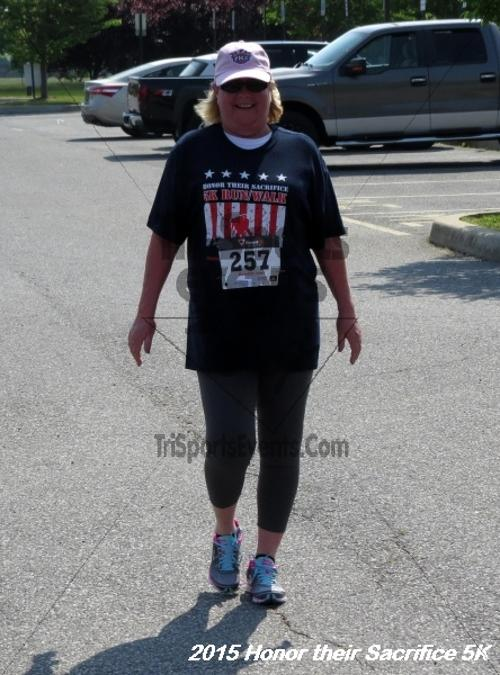 Honor Their Sacrifice 5K<br><br><br><br><a href='http://www.trisportsevents.com/pics/15_Elks_5K_154.JPG' download='15_Elks_5K_154.JPG'>Click here to download.</a><Br><a href='http://www.facebook.com/sharer.php?u=http:%2F%2Fwww.trisportsevents.com%2Fpics%2F15_Elks_5K_154.JPG&t=Honor Their Sacrifice 5K' target='_blank'><img src='images/fb_share.png' width='100'></a>