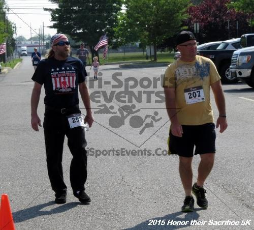 Honor Their Sacrifice 5K<br><br><br><br><a href='https://www.trisportsevents.com/pics/15_Elks_5K_160.JPG' download='15_Elks_5K_160.JPG'>Click here to download.</a><Br><a href='http://www.facebook.com/sharer.php?u=http:%2F%2Fwww.trisportsevents.com%2Fpics%2F15_Elks_5K_160.JPG&t=Honor Their Sacrifice 5K' target='_blank'><img src='images/fb_share.png' width='100'></a>